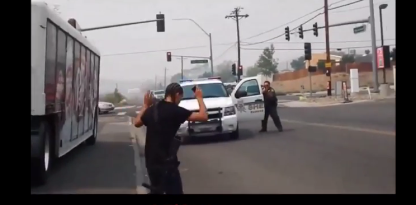 Black Man Vs White Man Open Carry An AR-15 In Oregon… Must See The Results! (Video)