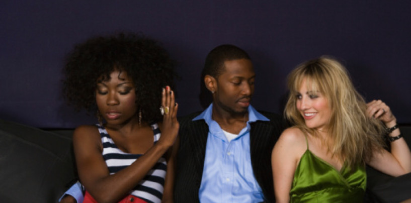 10/4/15 – Why Are Black Chicks So Jealous Of White & Mixed Women?
