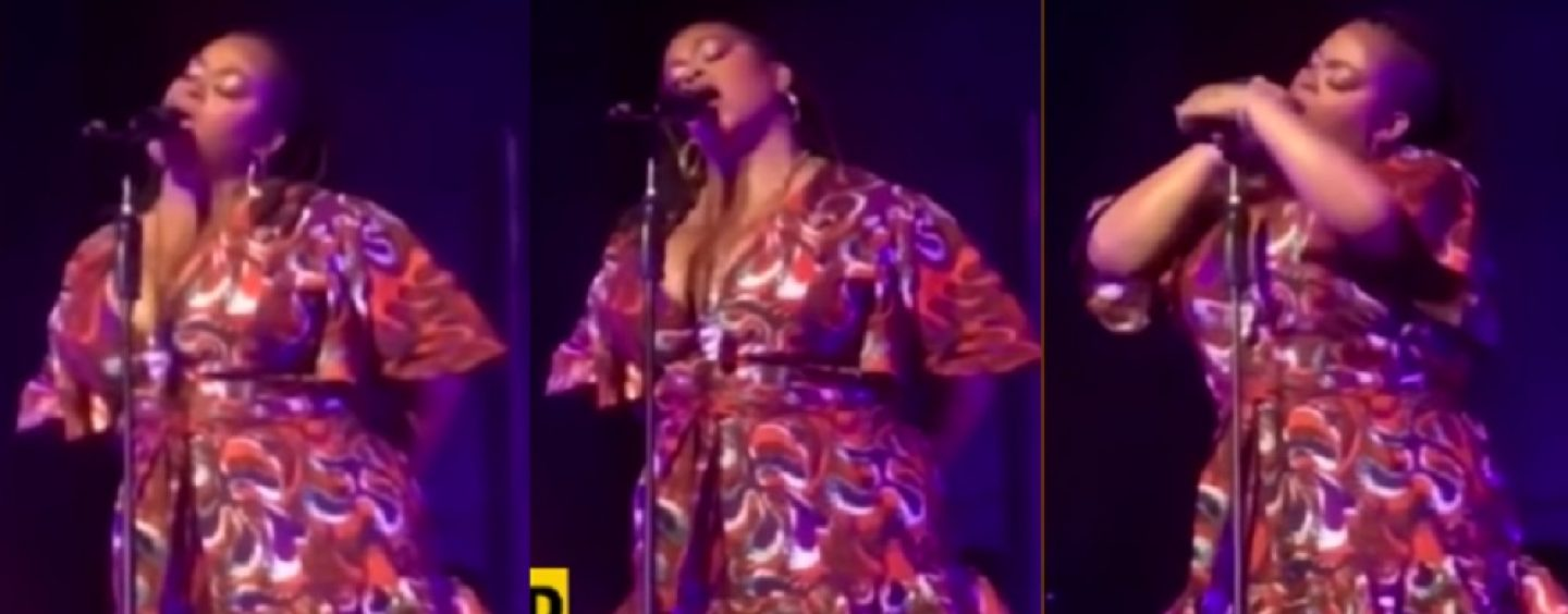 R&B Singer Jill Scott Shows Off Her Skills On A D*ck By Using A Stage Mic! Is Queen Behavior? (Live Broadcast)