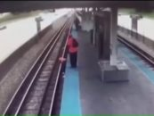 Unedited Video Of Woman Hit By Red Line Train In Chicago! Sister Says Bystanders Are To Blame, Do You Agree? (Video)